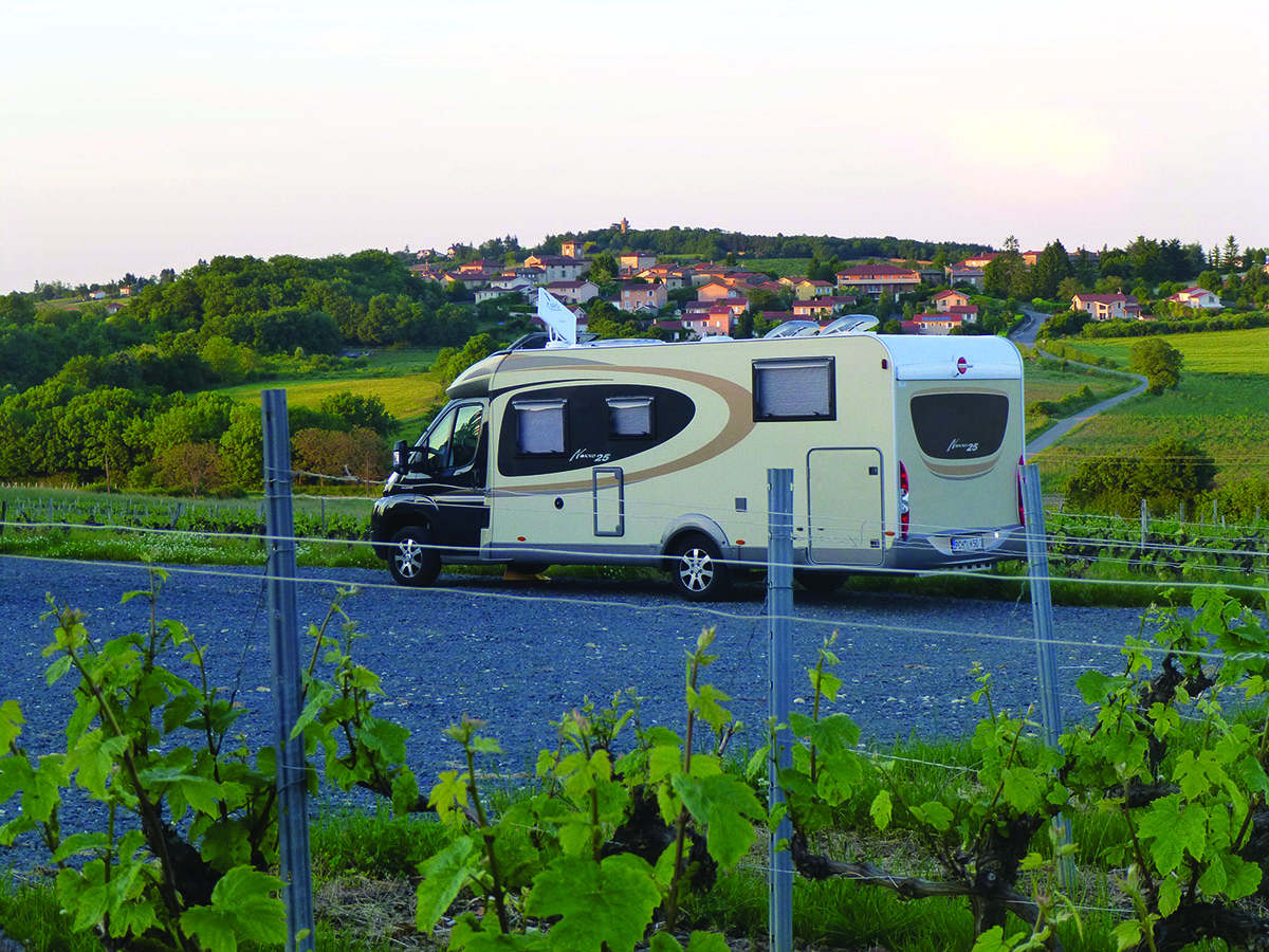 Aire camping-car à Marcy (69480) - Photo 1